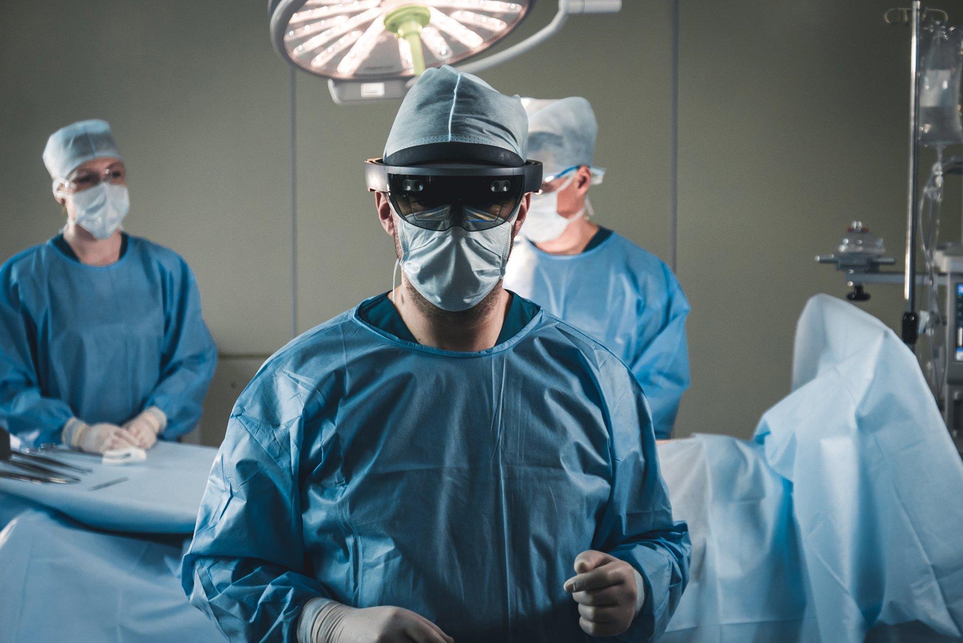 HoloLens, Remote Assist, Surgeon
